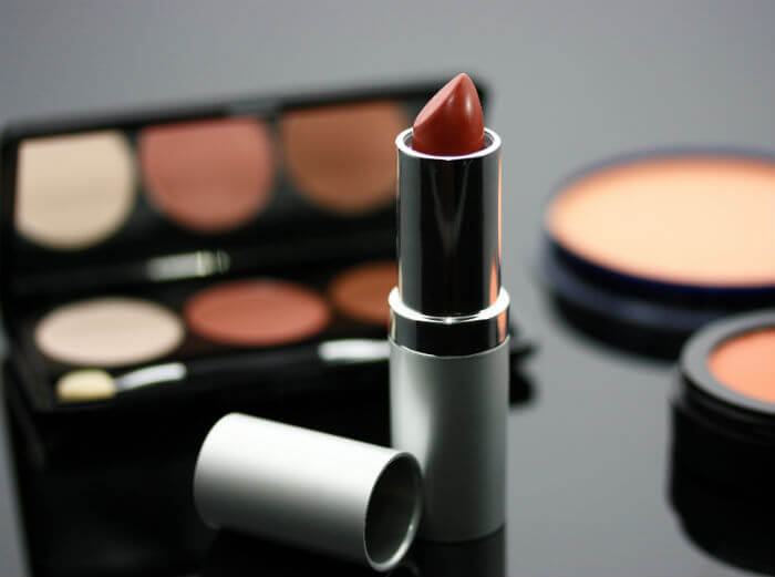 Pure Health HQ - Organic Makeup Reviews - Lipstick