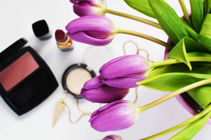 Organic Makeup Reviews: The Top Organic Makeup Brands - Pure Health HQ